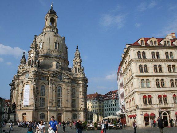 Neumarkt mit Frauenkirche und Quartier III-1