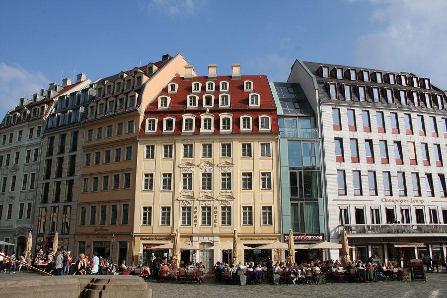 Architektur klassisch gesellschaft historischer neumarkt for Architektur klassisch