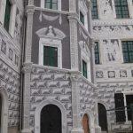 Fertig gestellter südwestlicher Treppenturm vom Schlosshof