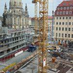 Blick aus der neuen Zentralbibliothek im Kulturpalast auf die zwei Baustellen