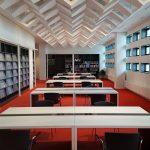 Zentralbibliothek im Kulturpalast mit Deckenelementen aus dem ehemaligen Restaurant