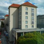 Blick aus dem Kulturpalast auf ein Wohn- und Geschäftshaus an der Wilsdruffer Straße / Galeriestraße
