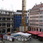Rohbau des Regimentshaus (links im Bild) am Jüdenhof