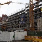 "Baustelle ""Neumarkt Palais City One"" (Quartier VI) zum Platz zu"