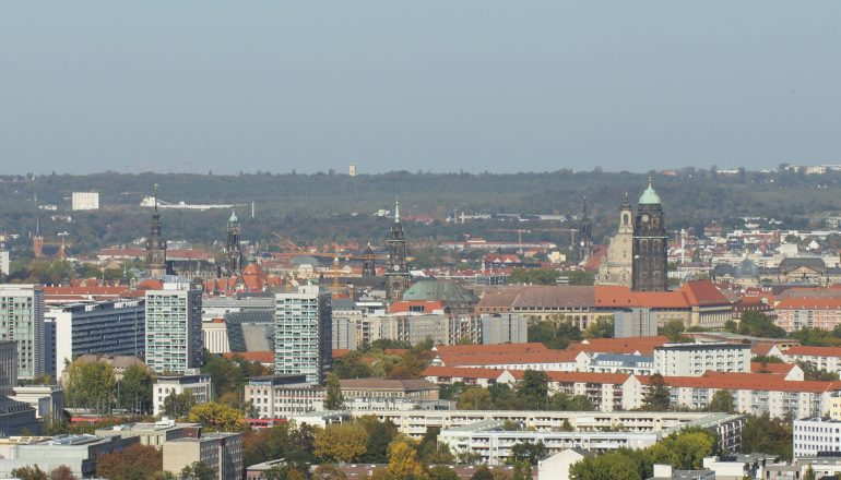 PRESSEMITTEILUNG: <BR>Hochhäuser an einem Punkt konzentrieren