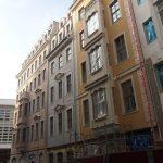 Auch am Leitbau Dinglingerhaus (Frauenstraße 9) fielen die Gerüste.