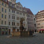 Jüdenhof mit Friedensbrunnen