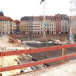 Baugrube Quartier III-2 mit Bodenplatte von der Rampischen Straße aus
