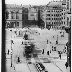 df_hauptkatalog_0040067_Blick von der Moritztraße nach Nordwesten über den Neumarkt in die Augustusstraße mit dem Brühlschen Palais, Aufnahme 1900