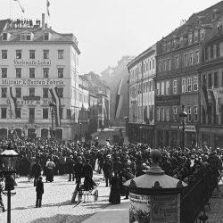 df_hauptkatalog_0041705_ Donadini, Ermenegildo Antonio_ Dresden-Neustadt. Große Klostergasse. Blick vom Neustädter Markt, 1893