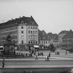 df_hauptkatalog_0041708_ Donadini, Ermenegildo Antonio_ Dresden-Neustadt. Neustädter Markt mit Reiterdenkmal Augusts des ... , nach 1893