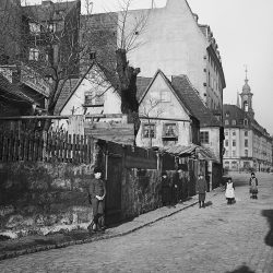 df_hauptkatalog_0043494_ Donadini, Ermenegildo Antonio_ Blockhausgäßchen, um 1890
