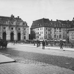 df_hauptkatalog_0044705_ Donadini, Ermenegildo Antonio_ Dresden-Neustadt. Neustädter Markt mit Reiterdenkmal Augusts des ... , um 1894