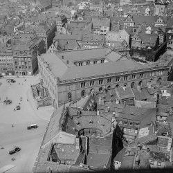 df_hauptkatalog_0148598_ Unbekannter Fotograf_ Neumarkt, Jüdenhof, Johanneum und Augustustraße von der Laterne d... , um 1930