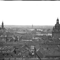 df_hauptkatalog_0197237_ Krone, Hermann_ Dresden-Altstadt. Blick vom Turm der Kreuzkirche nach Norden mit ... , vor 1899 - Kopie