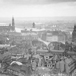 df_hauptkatalog_0254993_ Jahr, Arno, um 1915