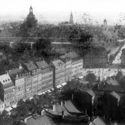 df_hauptkatalog_0268248_ Engler, Hugo_ Dresden-Neustadt. Blick vom Turm der Dreikönigskirche über die Ha... , um 1908