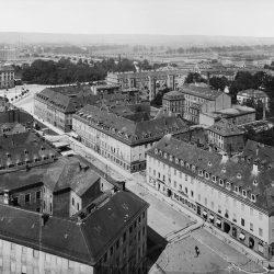df_hauptkatalog_0268250_ Engler, Hugo_ Dresden-Neustadt. Blick vom Turm der Dreikönigskirche über die Kö... , um 1908
