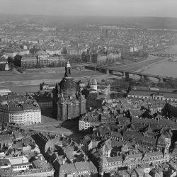df_hauptkatalog_0312972_Hahn, Walter_ Frauenkirche, 1943.10
