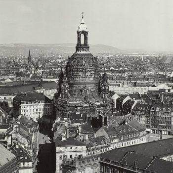 df_m_0004781_ Möbius, Walter_ Dresden-Altstadt. Blick vom Hausmannsturm über den Stallhof und N... , 1934