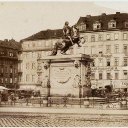 df_pos-2012-c_0000053_ Dresden-Neustadt, Neustädter Markt. Reiterdenkmal Augusts des Sta...