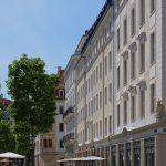 Grünes Gewandhaus und Platzfront des Quartiers VI