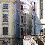 Zoom in die Sporergasse mit dem Gerüst am Quartier VII/1